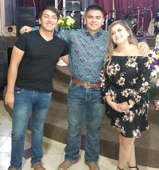 Concluyeron su High School Abdiel Altamirano, Yoceline Reynoso e Ismael Carrasco.