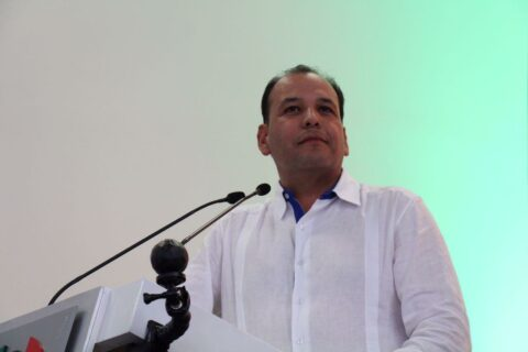 No más trabajadores eventuales en sector salud: Omar Bazán