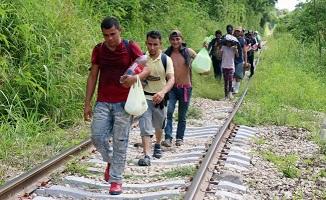 INM investiga más de 20 redes de tráfico de personas en México