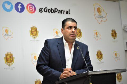 El Alcalde Lozoya gestiona ante el Estado que Parral avance al semáforo amarillo.