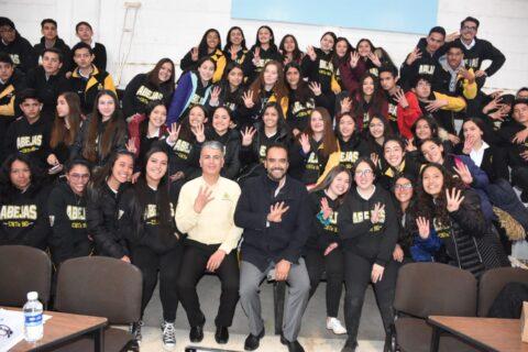Entrega Delegado Federal mil 995 becas Benito Juárez a alumnos del Cbta 90.