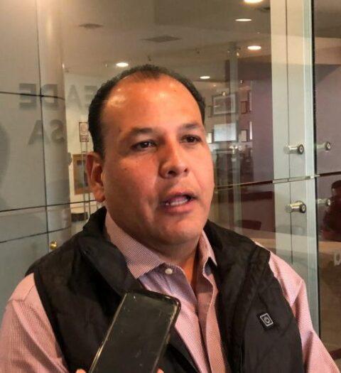 Pide Omar Bazán al gobernador reapertura ordenada de Iglesias