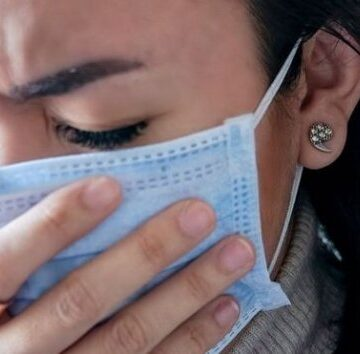 Es normal sentir todos los síntomas del coronavirus sin haberse infectado: psicólogo