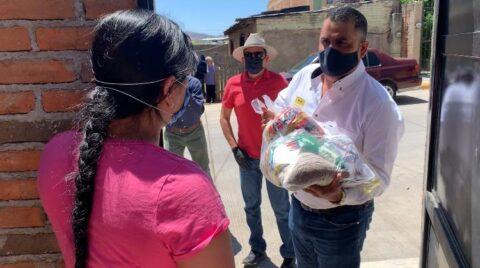 Pone en marcha Alfredo Lozoya plan alimentario para trabajadores de maquiladoras