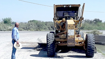 Rehabilita Presidencia Municipal caminos en la Cordillera del Conchos