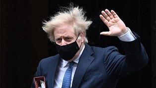 Boris Johnson niega que el Reino Unido haya bloqueado la exportación de vacunas anticovid