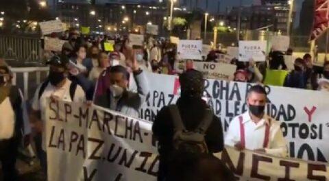 Protestan en el Zócalo de la CDMX contra candidatura de Mónica Rangel
