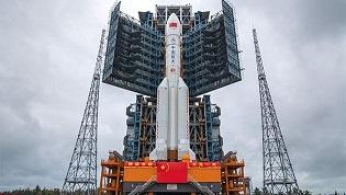 'Cohete chino fuera de control se dirige a la Tierra', alerta EU
